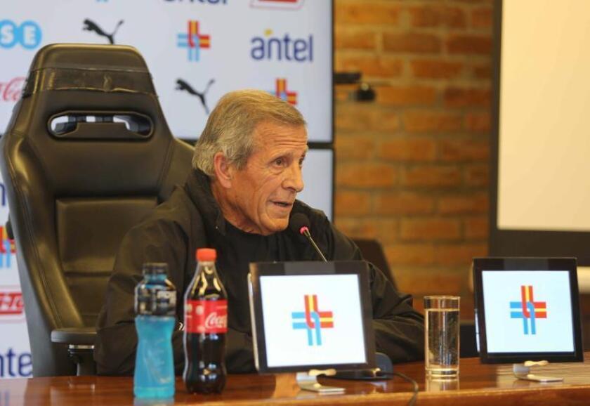 Tabárez dice que Suárez está trabajando bien y espera llevarle a Copa América