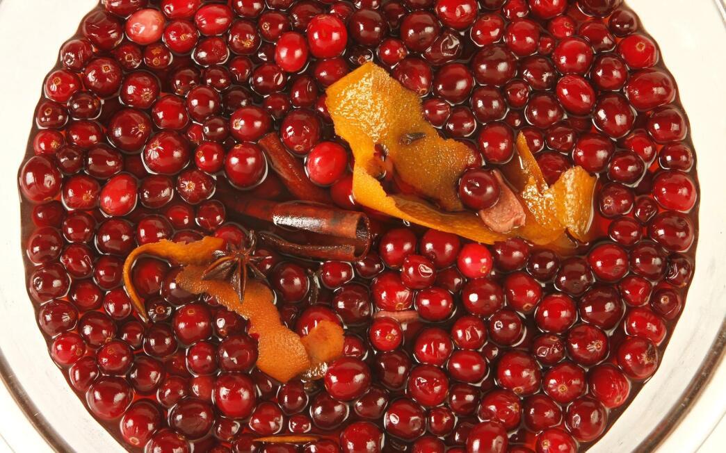 Quick pickled cranberries
