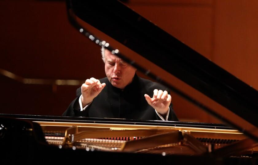 LOS ANGELES, CA - OCTOBER 22, 2015 -- Pianist Andras Schiff plays Mozart's Piano Concerto No. 25 in