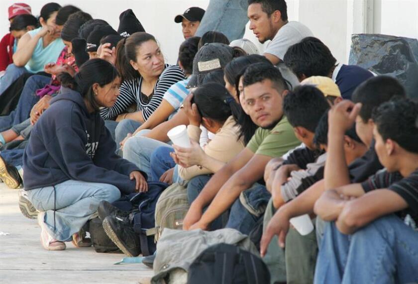 Familias de inmigrantes centroamericanos se manifestaron hoy en Tapachula (México) contra la política estadounidense de separar familias y la persecución durante su trayecto por México camino a la frontera norte. EFE/ARCHIVO