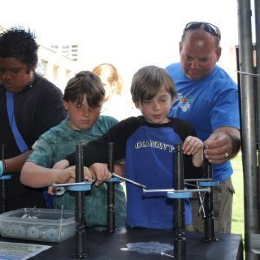 Students get in on the fun and learning at the 2010 San Diego Science Fair Expo. Courtesy: www.sdsciencefestival.com