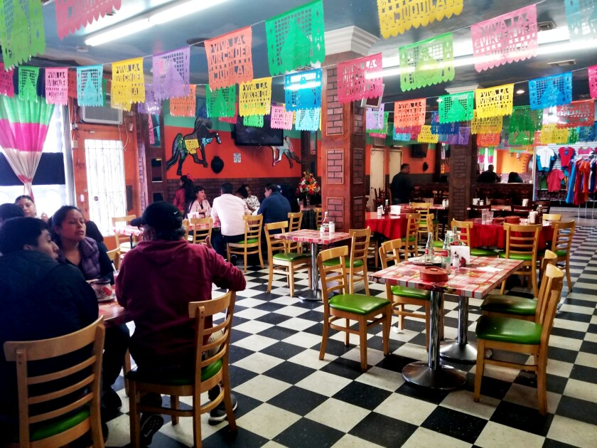 la-fo-best-los-angeles-restaurants-kids-Lindo-Oaxaca.jpg
