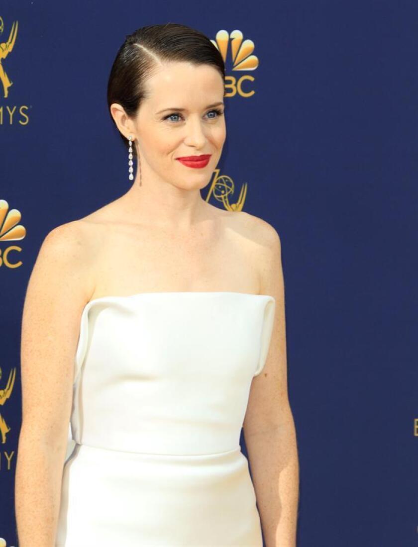 """Claire Foy (""""The Crown"""") (en la imagen) y Matthew Ryhs (""""The Americans"""") ganaron hoy los premios a mejor actriz y actor de una serie dramática, respectivamente, en la 70 edición de los galardones de la Academia de la Televisión. EFE"""