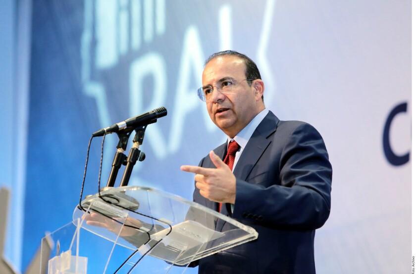 El Secretario de Gobernación, Alfonso Navarrete Prida, expresó que el Gobierno federal no comparte la propuesta de legalizar drogas como la mariguana; sin embargo, afirmó que está abierto a que se siga dando el debate sobre el tema.