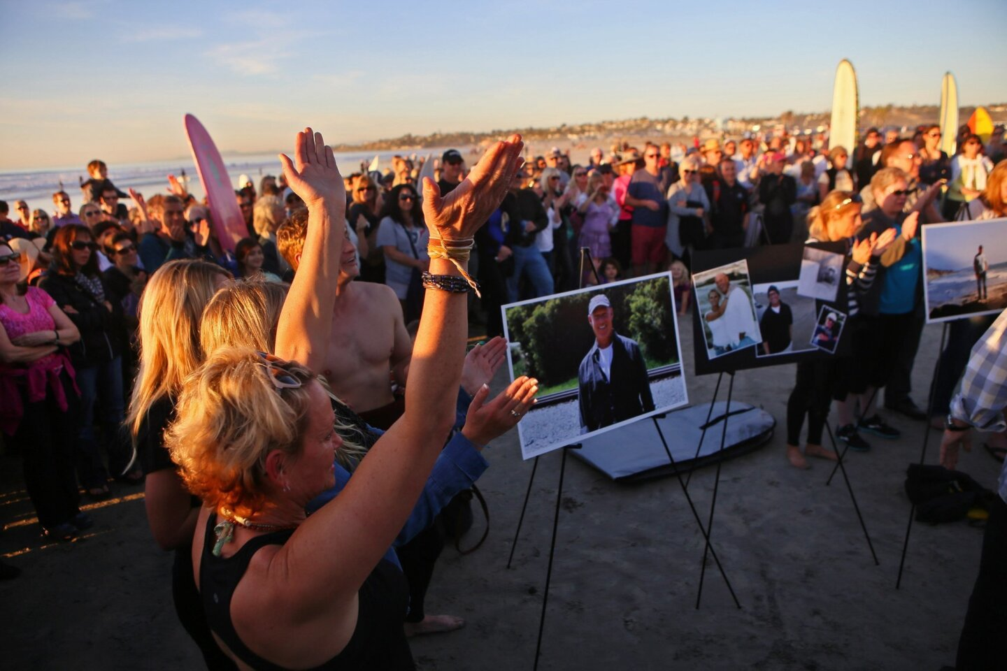 Paddle out for local news icon