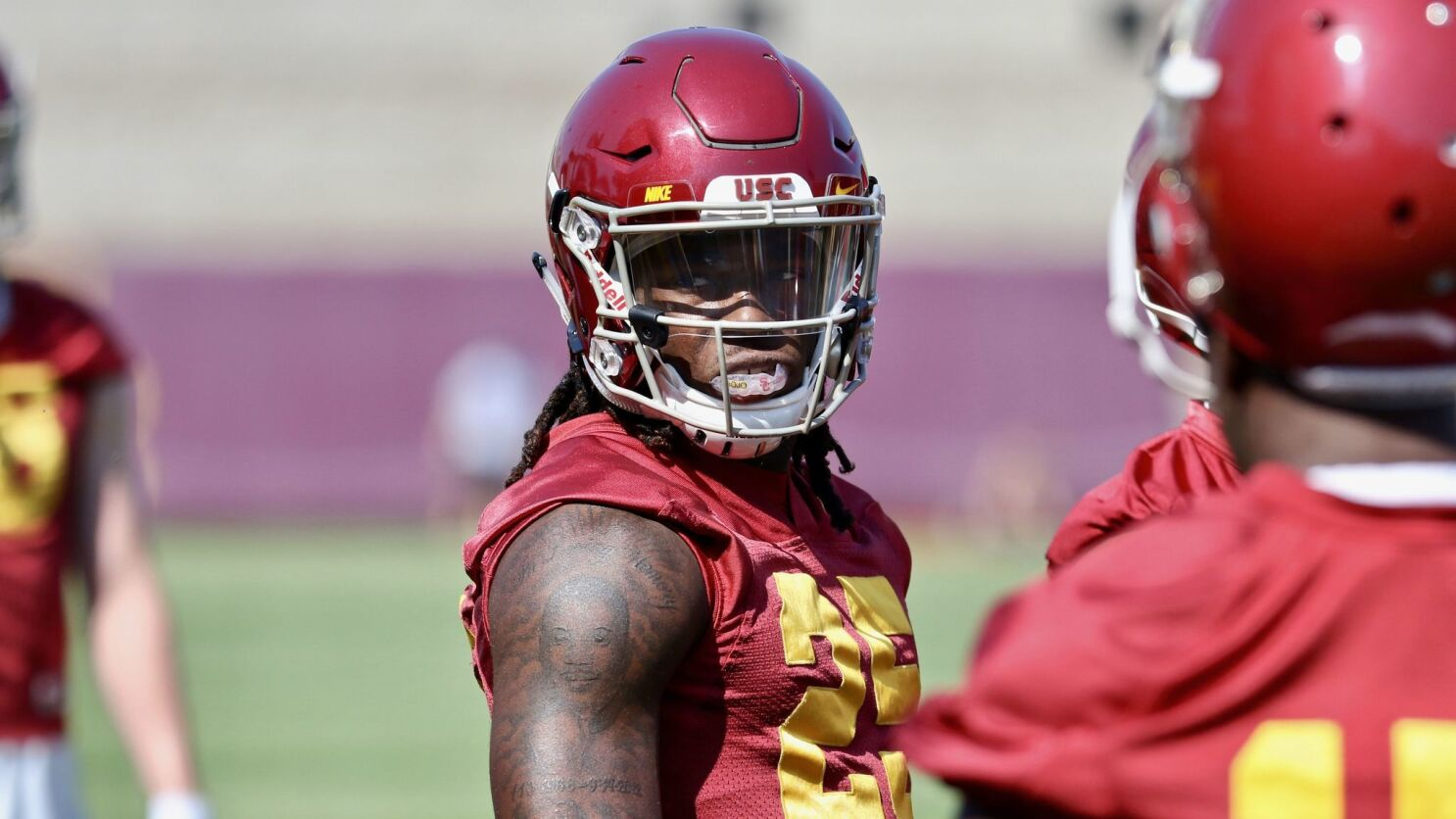 Ronald Jones Ii With Regrown Hair Is Ready To Lead Running Backs Los Angeles Times