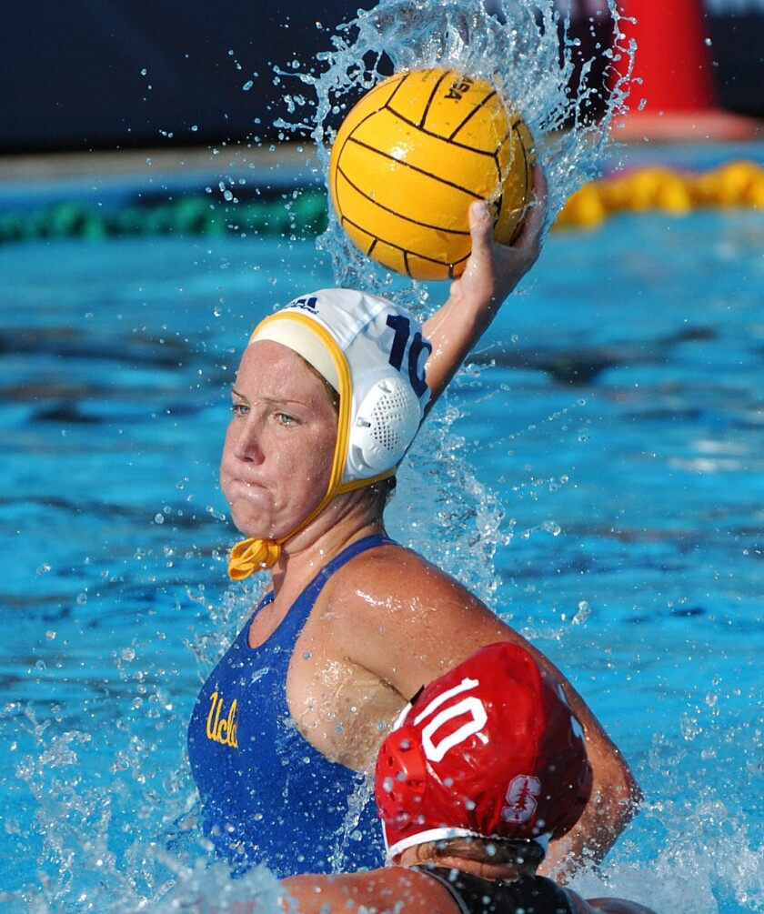Kelly Rulon takes a shot during the 2007 NCAA women's water polo title match.
