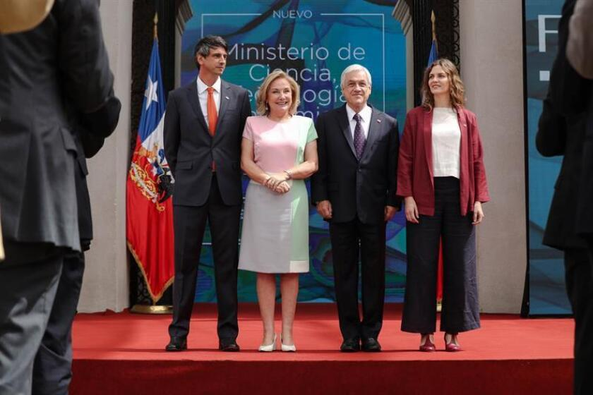 Chilean President Sebastian Pinera (2R), Sciences minister Andres Couve (L), Sciences subsecretary Carolina Torrealba (R) and Undersecretary of the Science portfolio Carolina Torrealba (2L) pose at the La Moneda Palace, in Santiago, Chile, 17 December 2018. EPA-EFE/ALBERTO VALDES