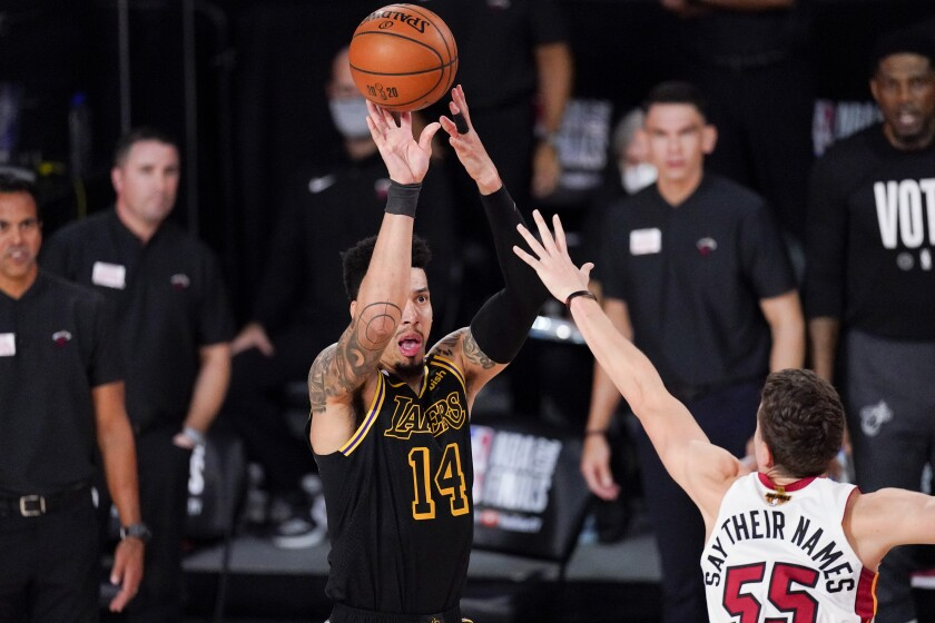 The Lakers' Danny Green shoots over the Heat's Duncan Robinson during Game 5 on Oct. 9, 2020.