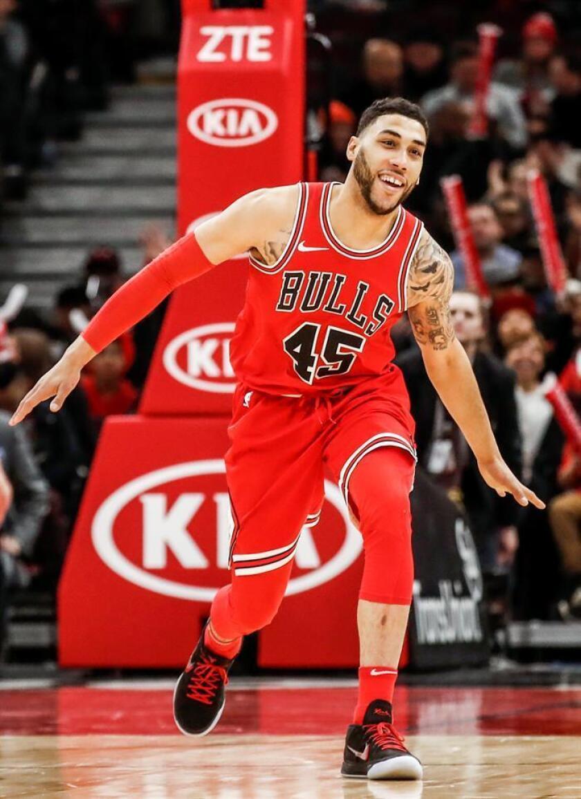 En la imagen, el escolta de los Bulls de Chicago Denzel Valentine. EFE/Archivo