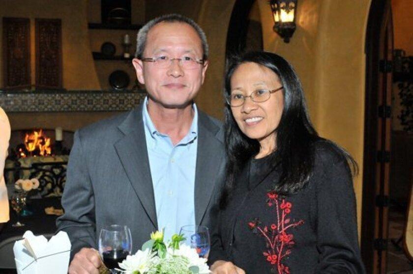 Hooi Lim, Elaine Empleo