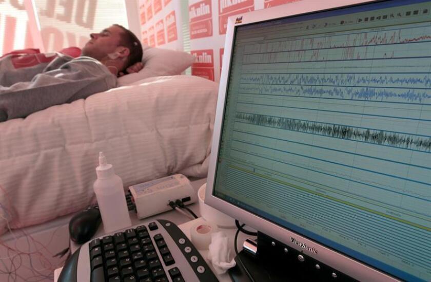 Un estudio observó que la población latina estadounidense disfruta de menos horas de sueño que otras comunidades. EFE/Archivo