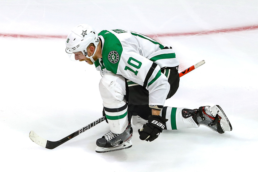 Corey Perry of the Dallas Stars celebrates his game-winning goal against the Tampa Bay Lightning on Sept. 26, 2020.
