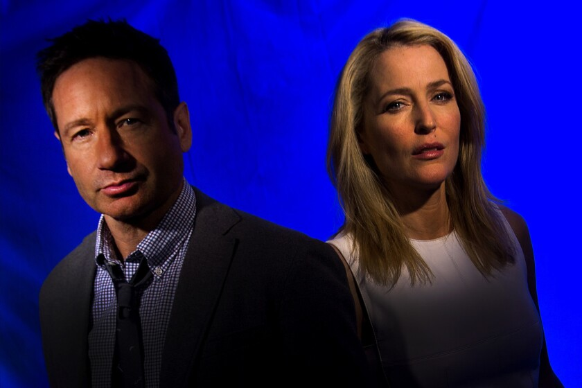 Fox TV pulls 'X-Files' out of the drawer for six new episodes - Los