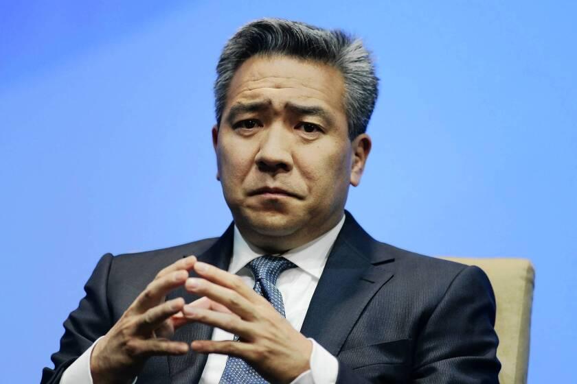 Kevin Tsujihara is named CEO of Warner Bros  - Los Angeles Times