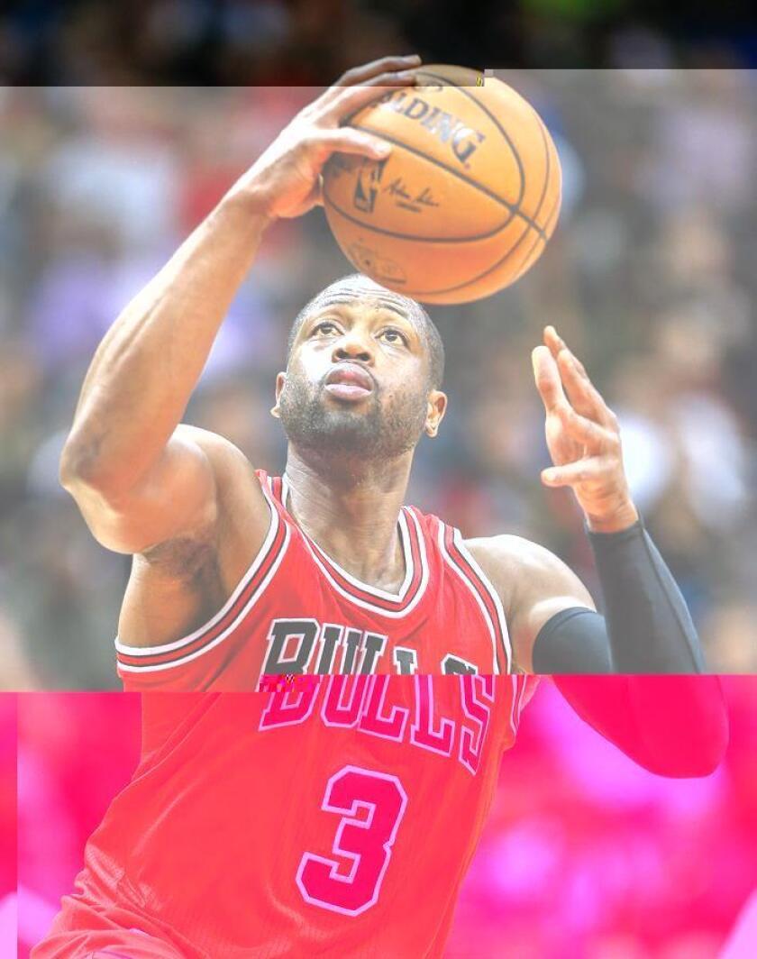 Dwyane Wade de Chicago Bulls en acción durante un juego de la NBA. EFE/Archivo