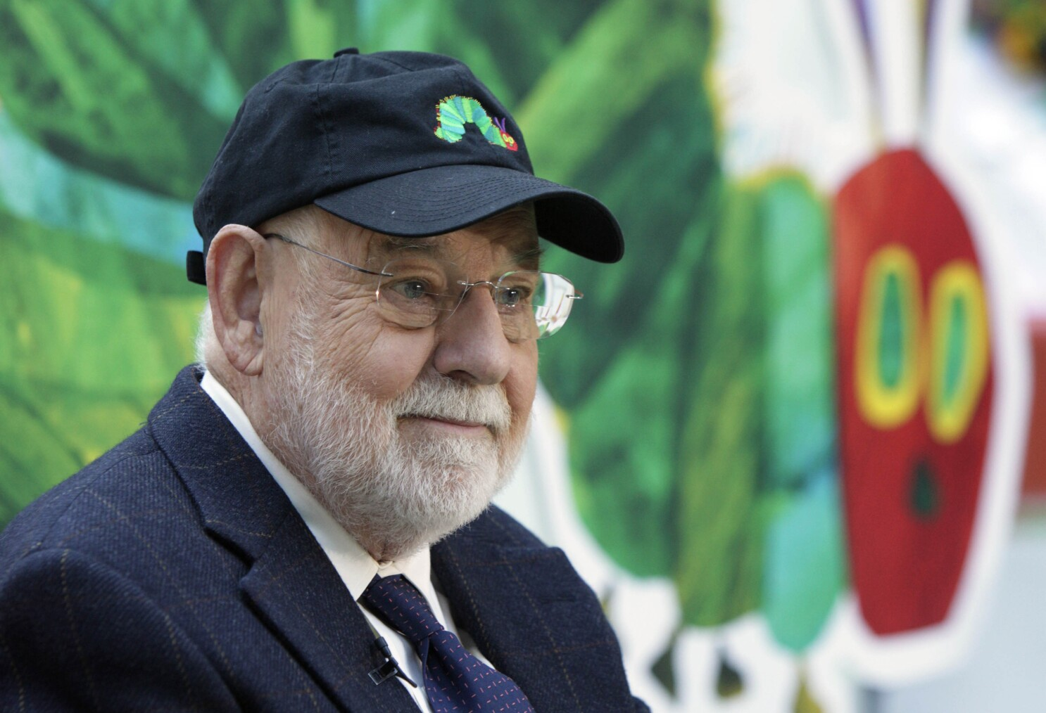 """Eric Carle, Author and Illustrator of """"The Very Hungry Caterpillar"""" and Other Children's Books, Dies at 91"""