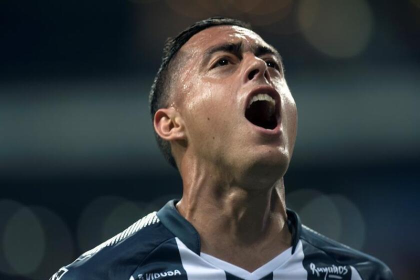 El jugador Rogelio Funes Mori de Rayados de Monterrey celebra la anotación de un gol el sábado 3 de marzo de 2018, durante el partido correspondiente a la jornada 10 del Torneo Clausura 2018, que se celebra en el estadio BBVA de la ciudad de Monterrey (México). EFE/Archivo