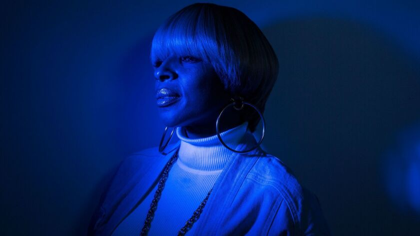 R&B star Mary J. Blige is photographed at Capitol Records. (Robert Gauthier/Los Angeles Times)