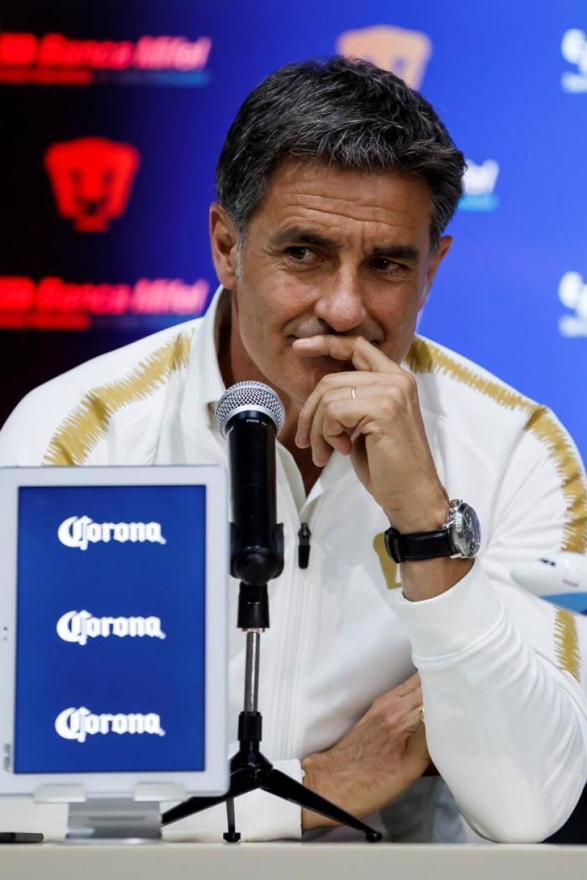 El español Michel González habla luego de ser presentado como nuevo entrenador del club Pumas UNAM, el martes 21 de mayo de 2019, en Ciudad de México (México). EFE/José Méndez/Archivo