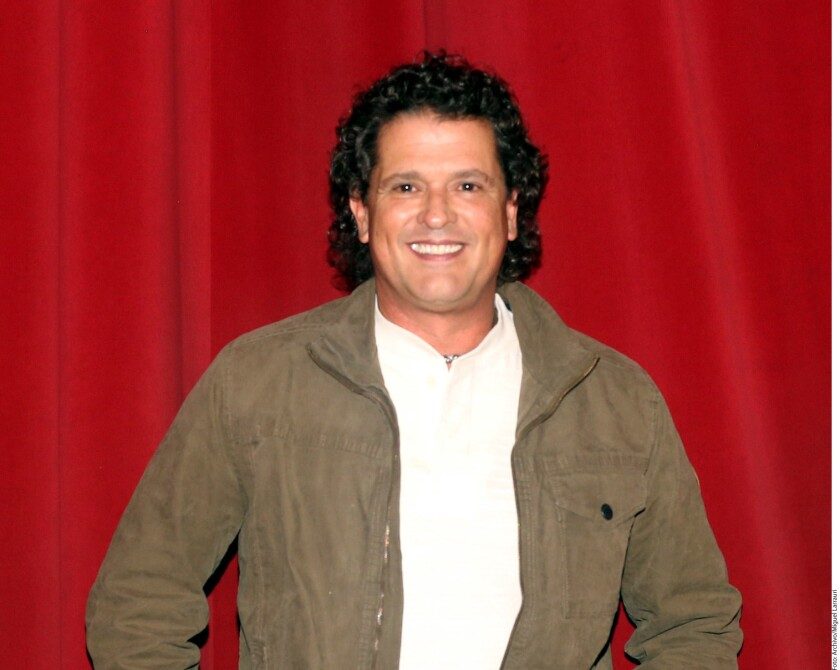 A 36 años de carrera, el colombiano agradece haber seguido su intuición, pues además de poseer 11 gramófonos (Premios Grammy), hoy se le considera una de las figuras que abrió la puerta para que la música latina se posicionara en todo el orbe.