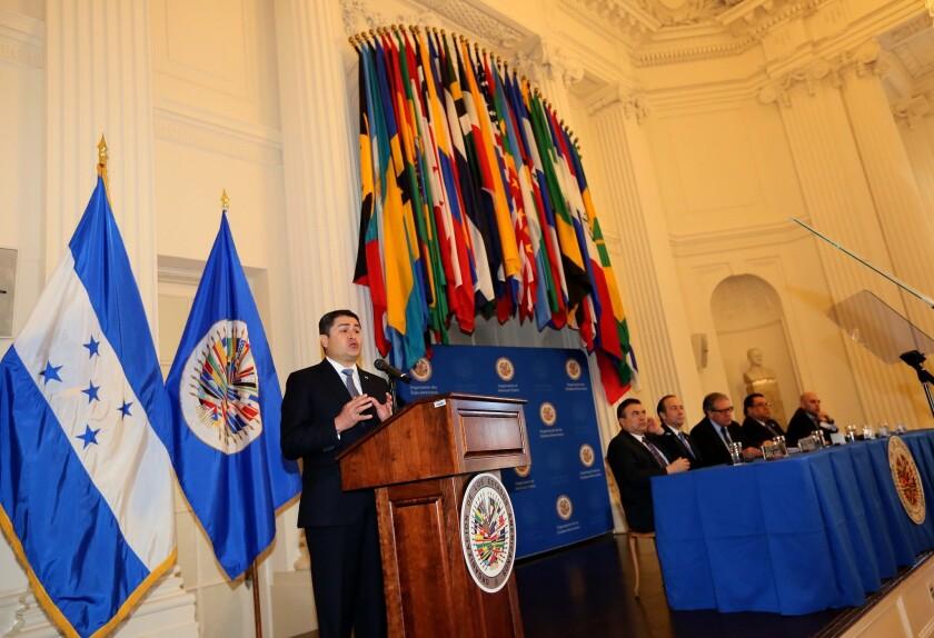 El presidente hondureño Juan Orlando Hernández durante el lanzamiento de la comisión anticorrupción que contará con el apoyo de la OEA.