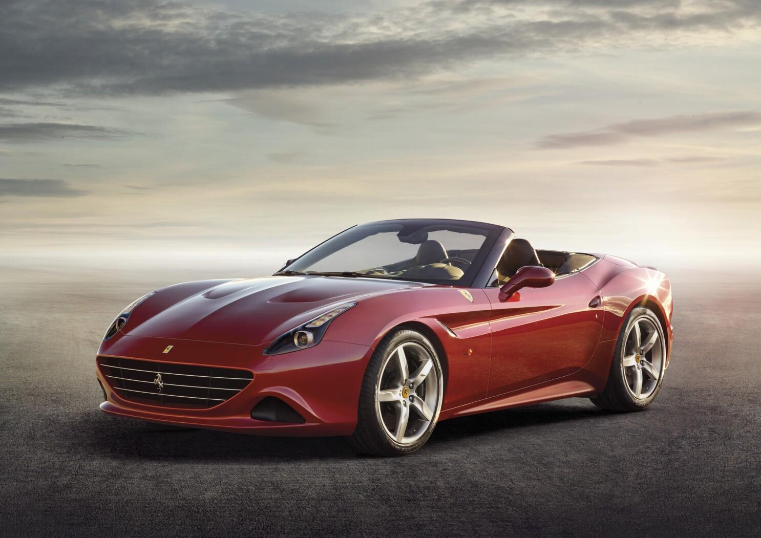 Geneva Motor Show Ferrari Returns To Turbocharging With California T Los Angeles Times