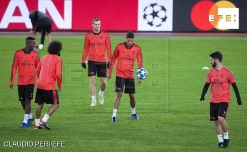 Los jugadores del Real Madrid participan en una sesión de entrenamiento en Roma (Italia), en la víspera de su encuentro ante la Roma correspondiente al grupo G de la Liga de Campeones de la UEFA. EFE