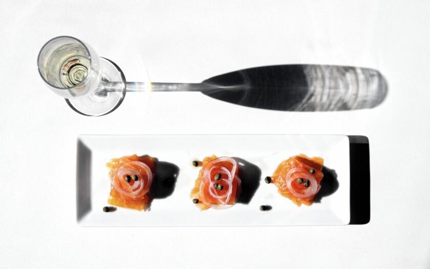 Smoked fish with wine