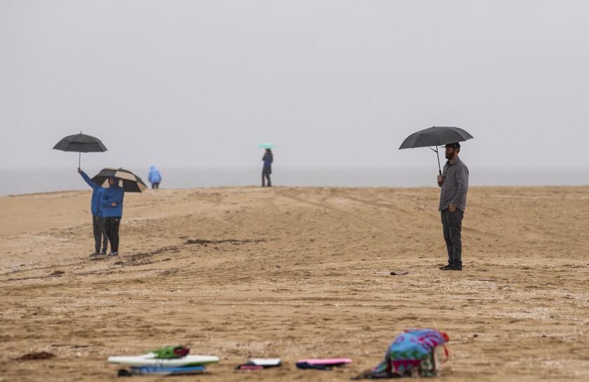 522553 tn-dpt-me-surfers-beaches-20200409-5.jpg