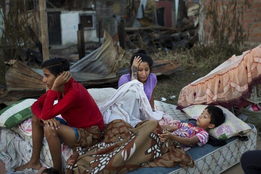 APphoto_Ecuador Earthquake
