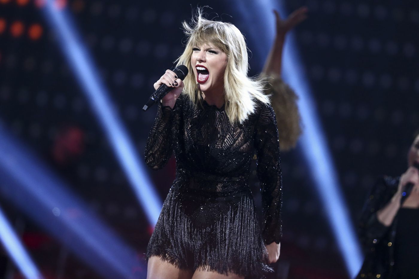 """Taylor Swift, James Corden and Idris Elba star in first trailer for """"Cats."""""""