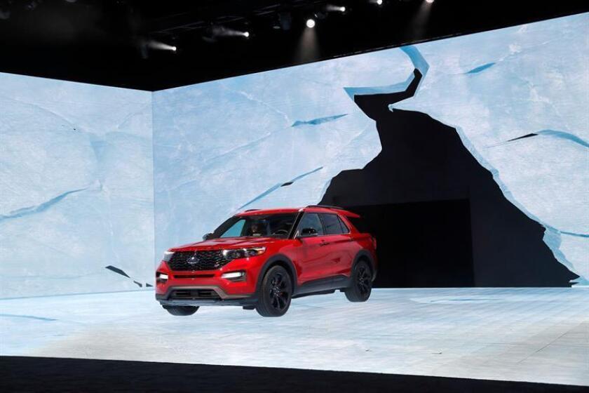 El nuevo vehículo Ford Explorer ET es expuesto durante el Salón Internacional del Automóvil de Norteamérica (NAIAS) en Cobo Center en Detroit, Michigan, Estados Unidos, hoy, 14 de enero de 2019. EFE