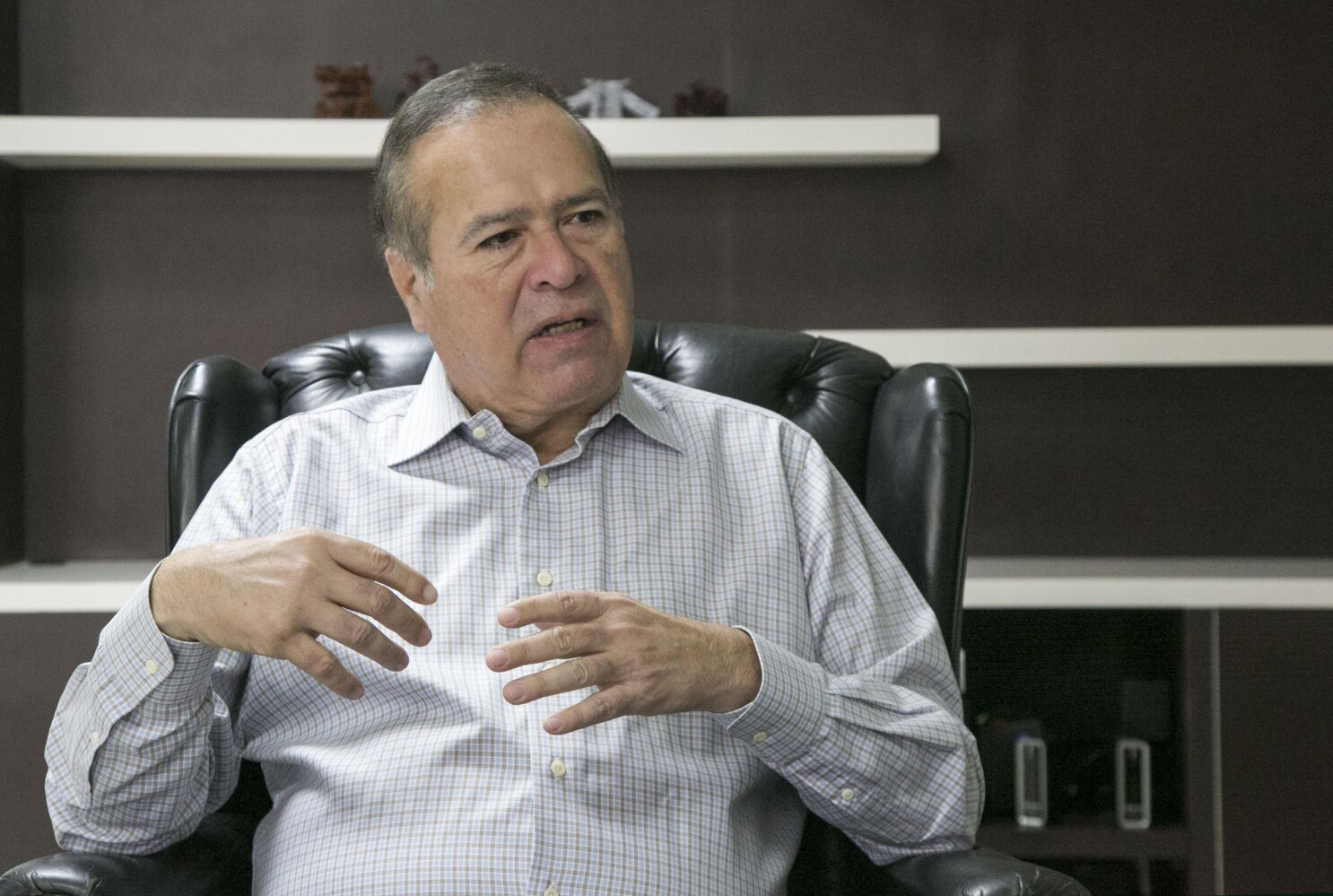 New mayor of Tijuana pledges 'open doors' and an end to corruption