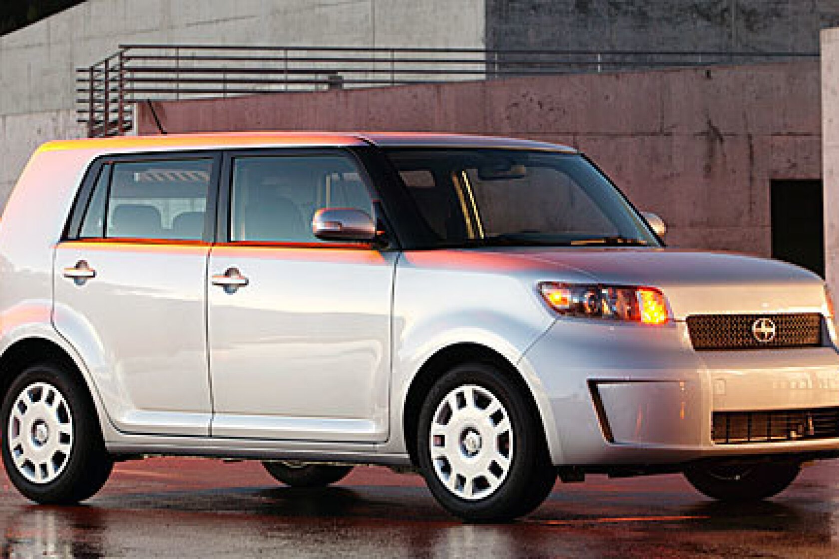 Honda Element And Scion XB Will Not Be Released Anytime Soon >> 2008 Scion Xb Boxy Trumps Foxy Los Angeles Times