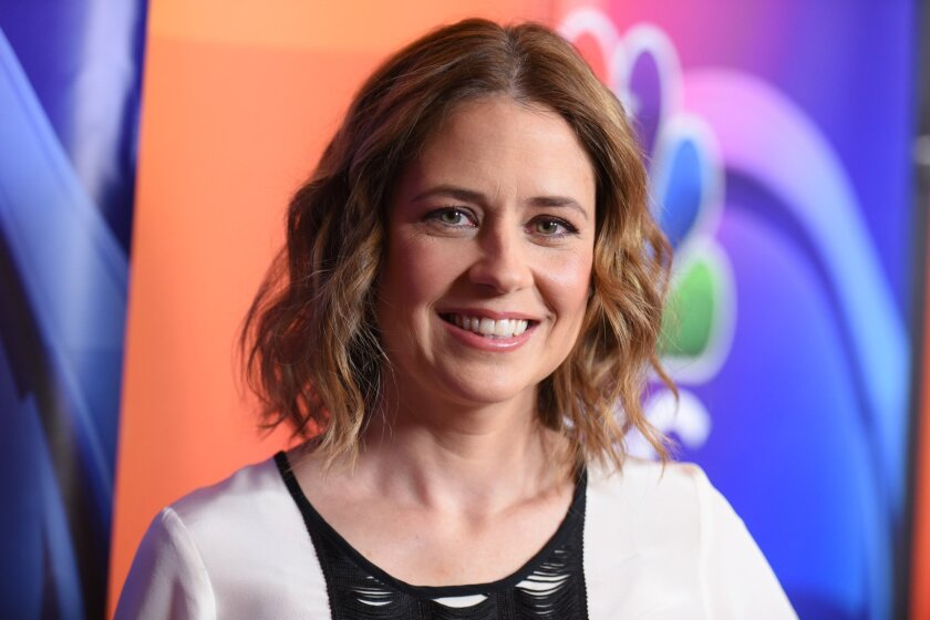 "Jenna Fischer dishes on her ""Office"" costar John Krasinski."