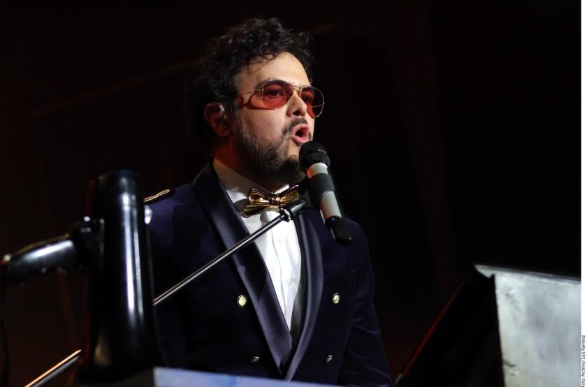 El cantautor se llevó muy bien con el hijo de Verónica Castro durante el tiempo que salieron de tour, por lo que se pondrá de acuerdo con él para regresar a los escenarios con Aleks Syntek + Cristian Castro: La Gira.