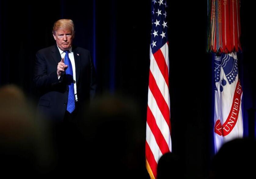 El presidente estadounidense, Donald Trump, ofrece un discurso durante un acto celebrado en el Pentágono, Arlington (Estados Unidos). EFE/Archivo