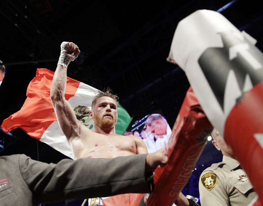 """El boxeador mexicano Saúl """"Canelo"""" Alvarez reacciona tras su pelea contra Gennady Golovkin el domingo, 17 de septiembre de 2017, en Las Vegas."""