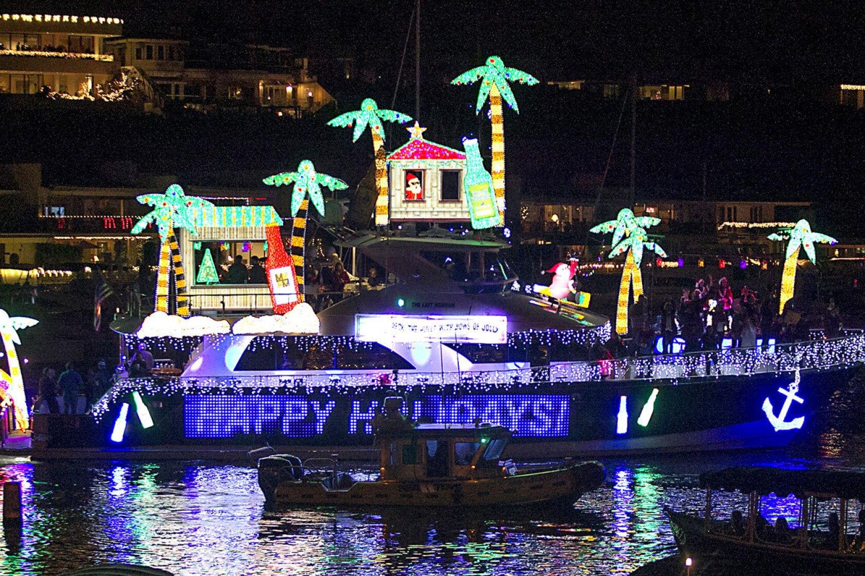 Newport Beach Christmas Lights Cruise.Newport Beach And Huntington Beach Host Annual Boat Parades