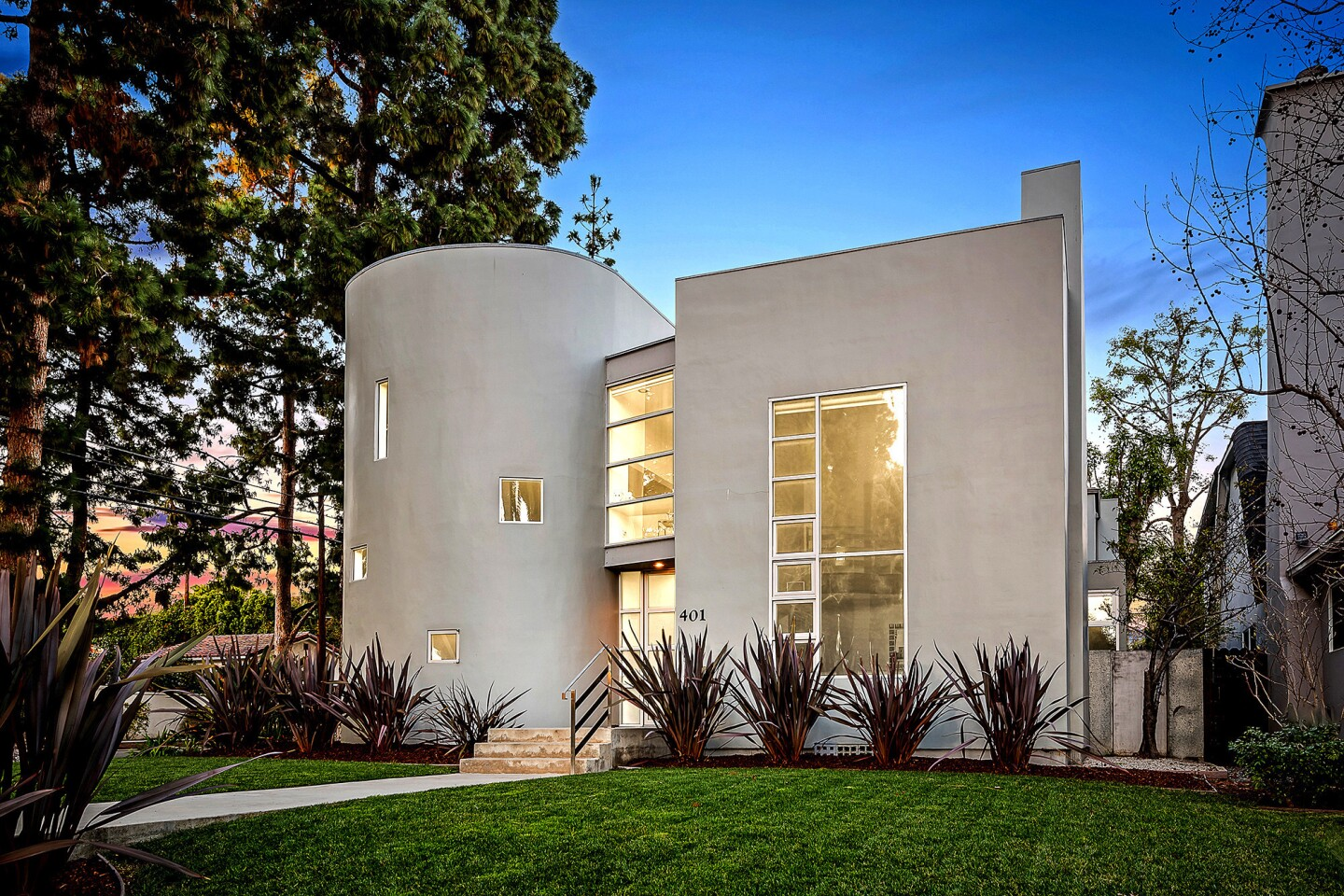 Architect John Powell drew inspiration from Franco-Swiss architect Le Corbusier's Notre Dame du Haut when designing this Santa Monica home.