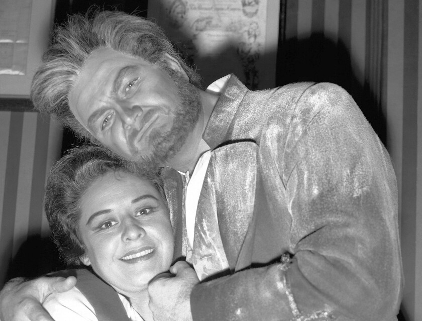 """Jon Vickers in the role of Florestan and Sena Jurinac as Leonora in """"Fidelio"""" at the Royal Opera House in Covent Garden in London in 1961. Critic John Ardoin described Vickers' voice as """"holding a hundred colors and inflections."""""""