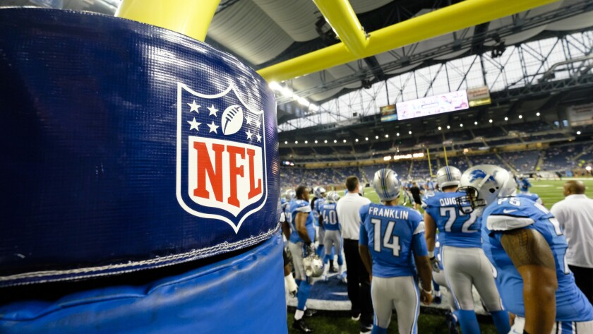 About 140 retired players filed objections to the proposed NFL concussion settlement.