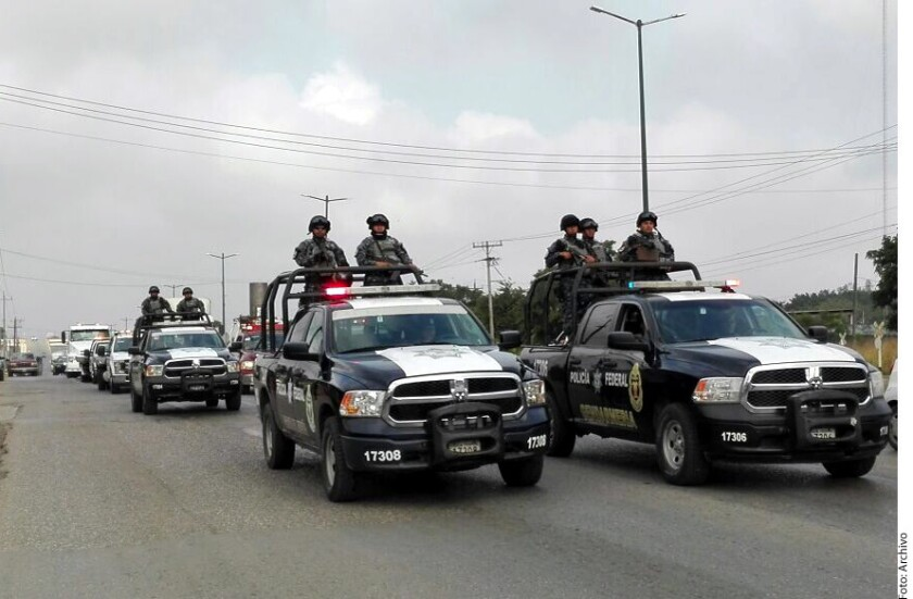 A los funcionarios estadounidenses les prohíbe, por ejemplo, manejar de la frontera al interior de México por cualquier carretera, a excepción de la Nogales-Hermosillo, y con la condición de que sea sólo durante el día.