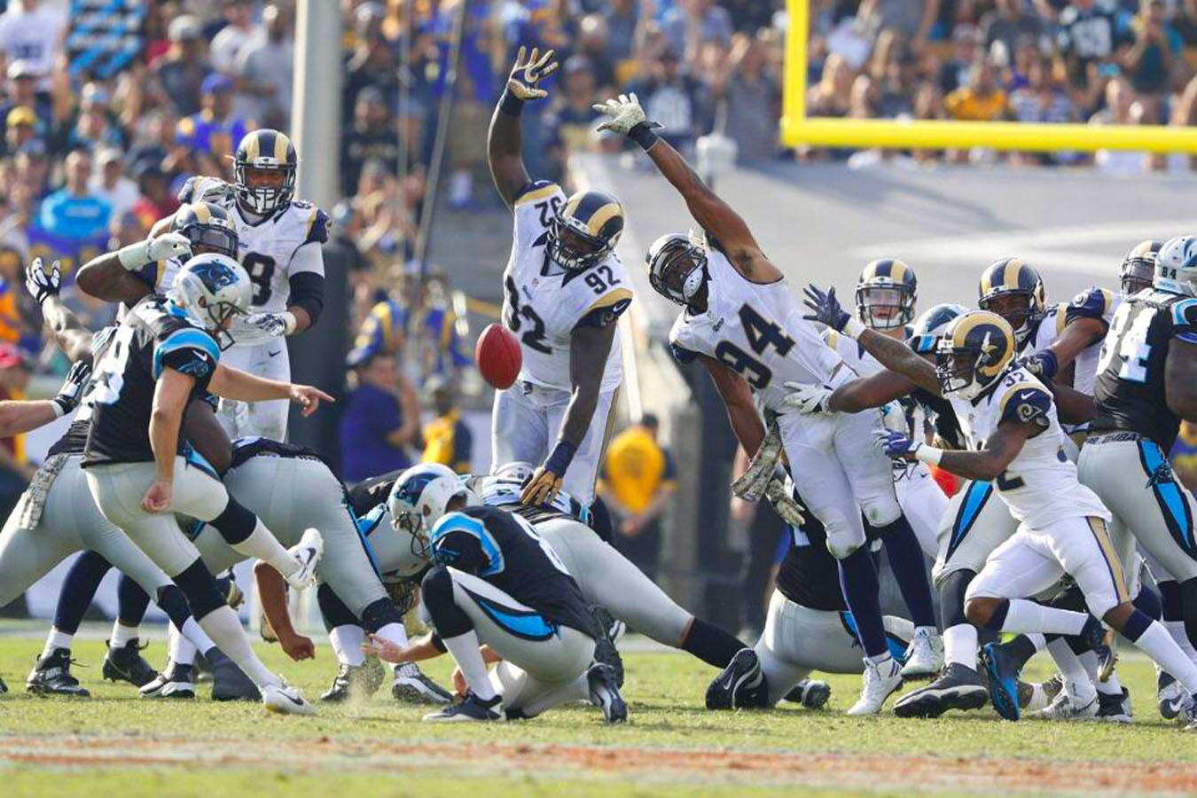NFL: Panthers 13-10 Rams