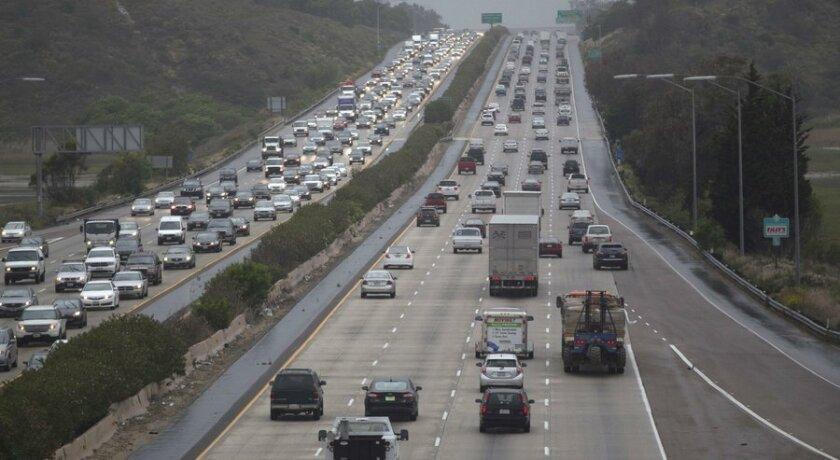 La primera parte de un proyecto de reestructuración de la autopista 5 que necesitará cerca de 30 años para completarse, comenzará este verano.