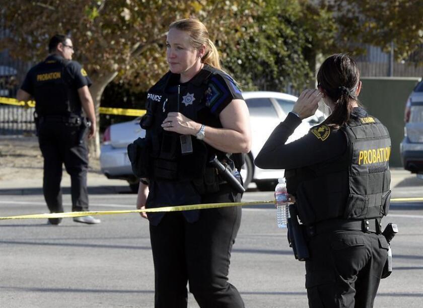 La Fiscalía del condado de San Diego (California) presentó hoy cargos criminales contra el detenido que mató a un policía local e hirió a su compañero en un encuentro ocurrido la semana pasada, y por los que ahora enfrenta una posible pena de muerte.