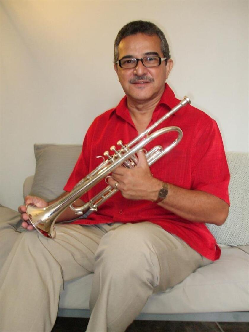 """El maestro y trompetista puertorriqueño Luis """"Perico"""" Ortiz, posa para una fotografía. EFE/Archivo"""