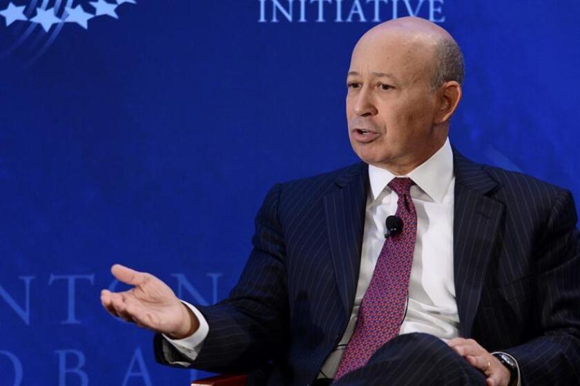 El máximo directivo del grupo bancario estadounidense Goldman Sachs, Lloyd Blankfein, abandonará el puesto a finales de este año, informó hoy The Wall Street Journal (WSJ). EFE/Archivo