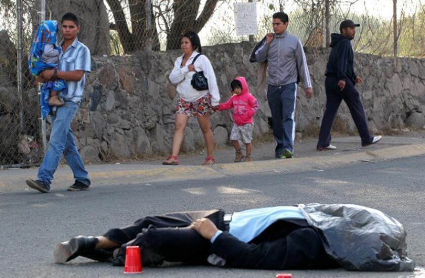Legalizar el consumo de drogas debe ser la directriz principal del Ejecutivo mexicano para disminuir notablemente el alto índice de asesinatos del país, sostuvo este jueves la organización Semáforo Delictivo. EFE/Archivo